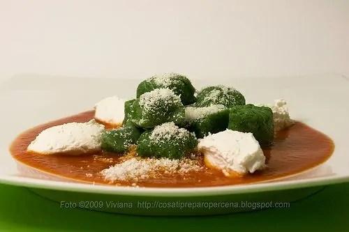 Tricolore di gnocchi ricotta e spinaci
