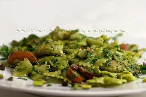 Pasta con gallinella pomodorini e pistacchi