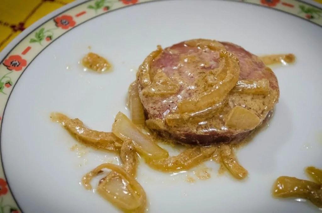 salame cotto nell'aceto e cipolla