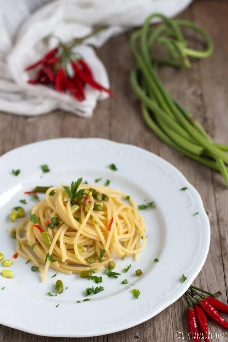 Spaghetti Talli d'aglio, olio e peperoncino: facile come pensarli!
