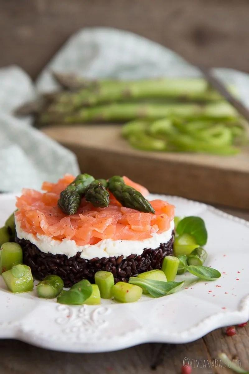 tartare di salmone robiola e riso nerone