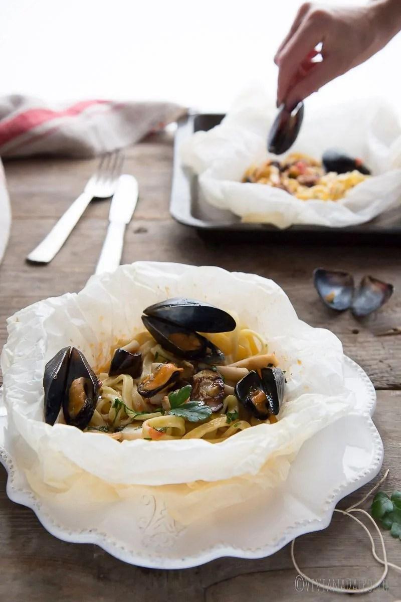 pasta al cartoccio ai frutti di mare