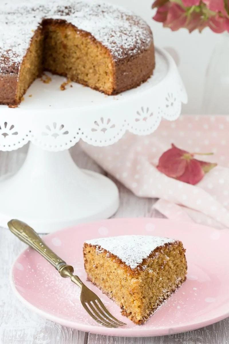 torta con frutta secca