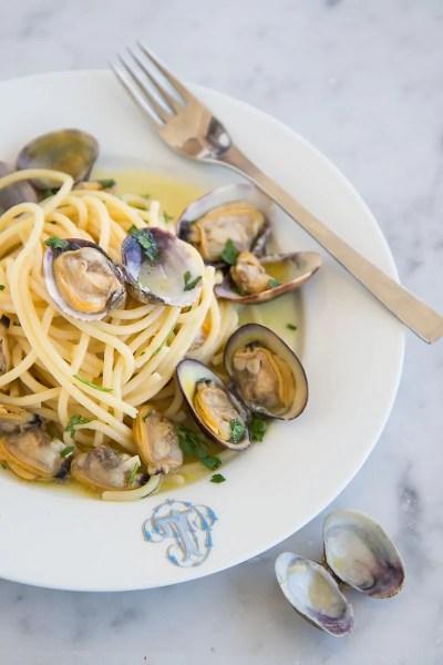 spaghetti con le vongole sicilia