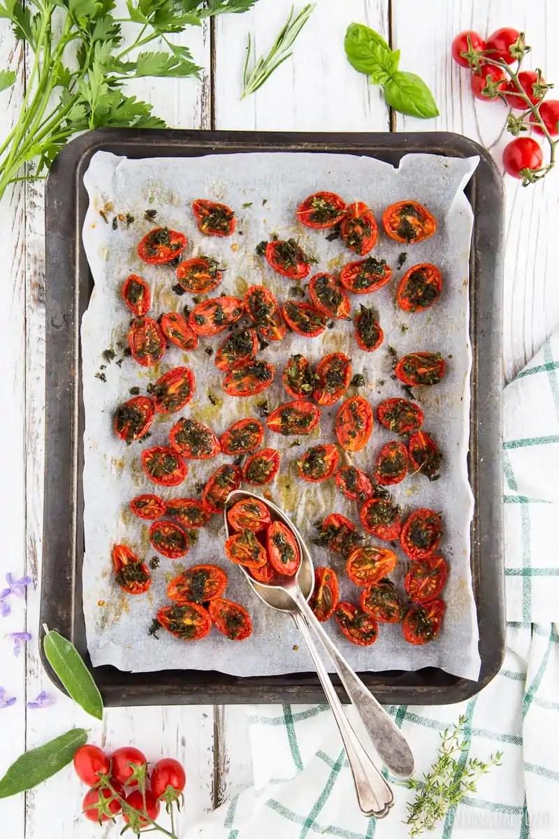 Pomodorini confit per accogliere la bella stagione!