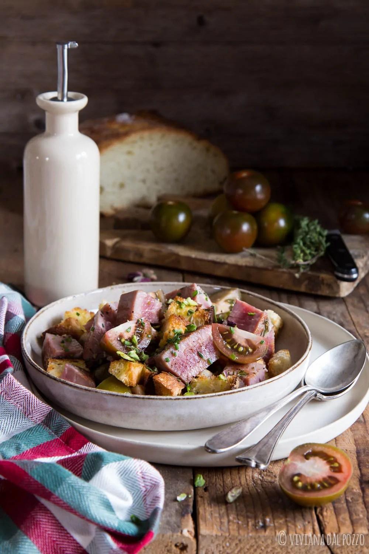 Insalata di tonno fresco, crostini e iLcamone