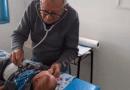 Questo pediatra 92enne visita gratis i bambini bisognosi