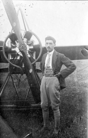 1915 - Olivari pilota civile