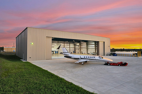 Coshocton Richard Downing Airport announces corporate hangar plans     COSHOCTON     Coshocton Richard Downing Airport has announced plans to  construct a new corporate hangar to better serve business and private  aircraft