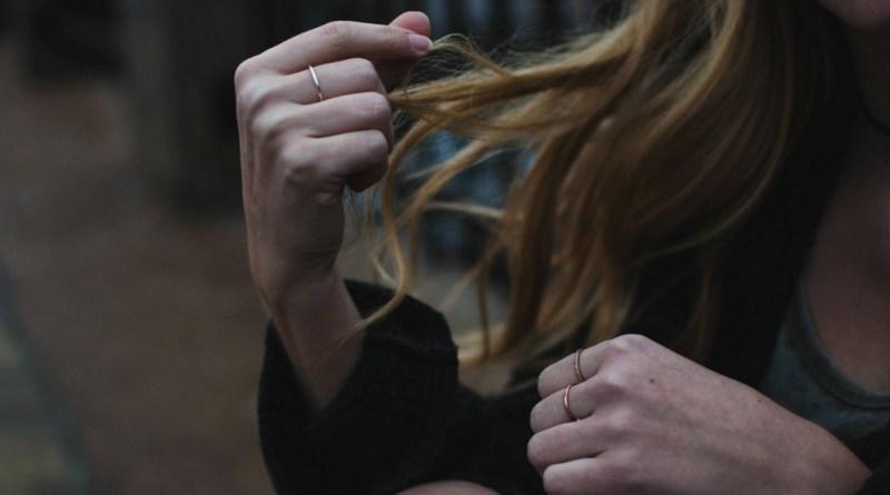 Mania de arrancar os cabelos é doença