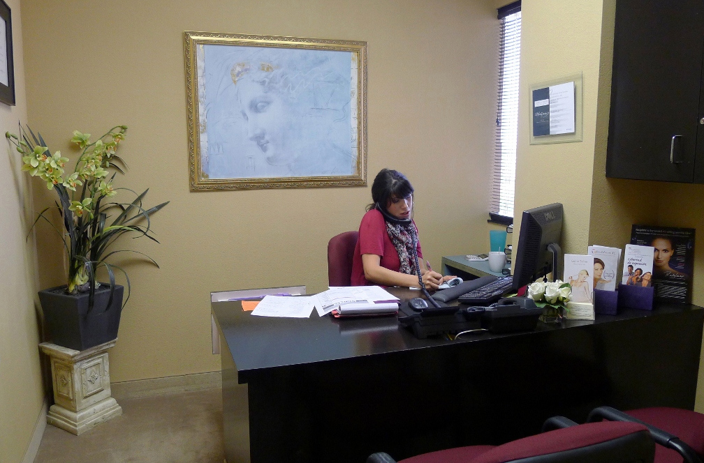 Orange-County-Cosmetic-Clinique-Staff-Denise
