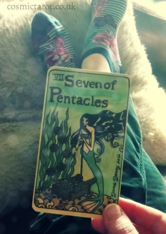 practicing mindfulness with the tarot