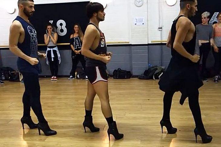 https://i1.wp.com/www.cosmopolitan.de/bilder/610/2014/12/06/67157-maennliches-high-heels-trio-tanzt-zu-beyonce.jpg