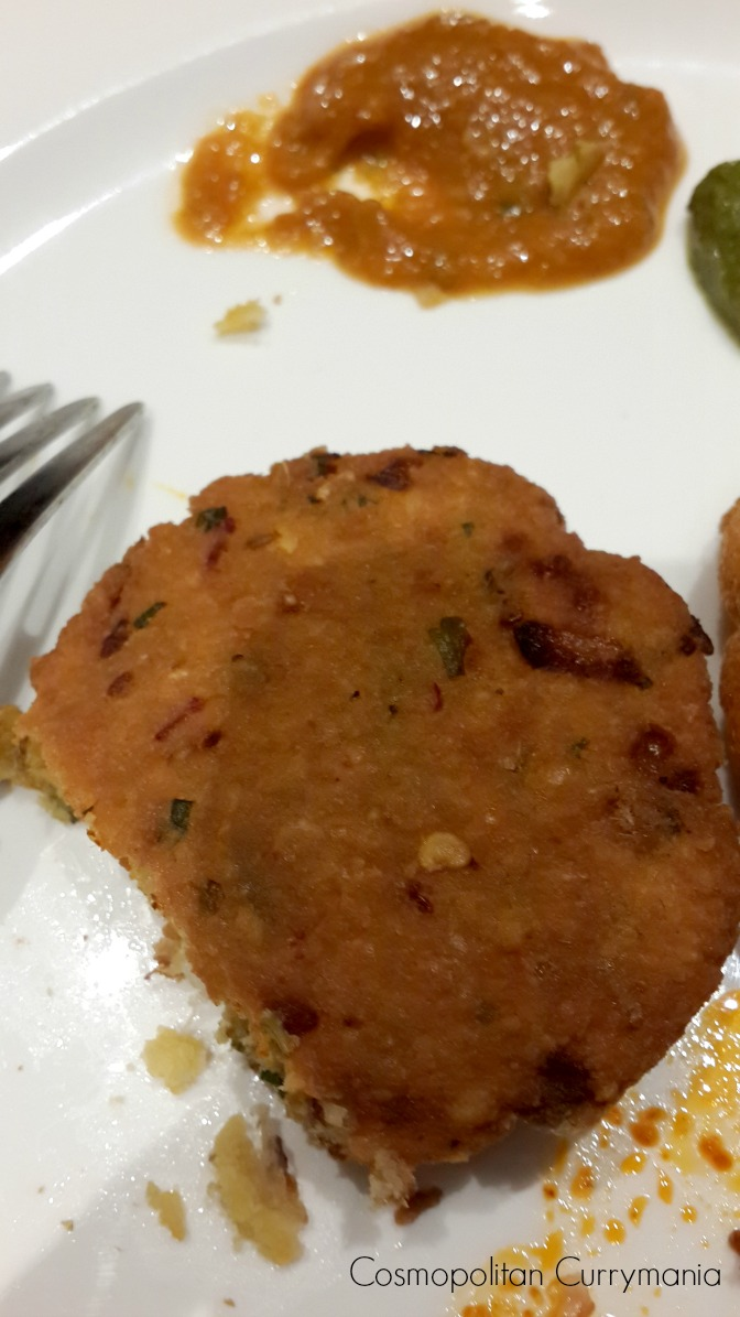 Masala Gaare (lentil and onion fritters)