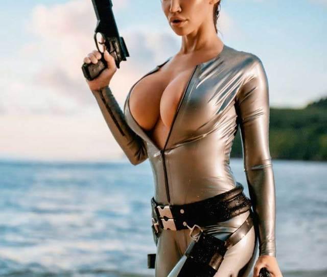 Bianca Beauchamp Cosplay Lara Croft Tomb Raider