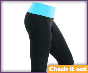 Black and blue yoga pants.