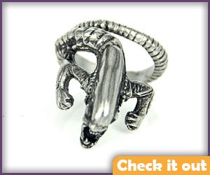 Xenomorph Ring.