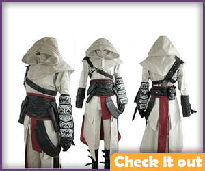 Altair Cosplay Set.