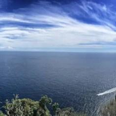 Das Cap de Sant Sebastià wird von einem Leuchtturm bewacht und ist zugleich bliebtes Ausflugsziel mit Hotel und Restaurant