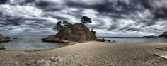 """Beeindruckende Perspektive auf das """"Cap Roig"""". Eine Strandbar ist direkt nebenan."""