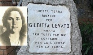 18-la-stele-a-giuditta-levato-uccisa-nel-1946-dai-latifondisti-a-calabricata-cz