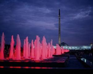 13-fontane-e-obelisco-a-mosca