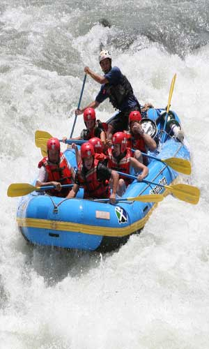 5 Best White Water Rafting Spots in Costa Rica