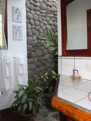Tierra Magica Bed and Breakfast and Art Studio 2