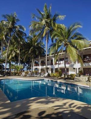 Pochote-Grande-hotel-pool-a