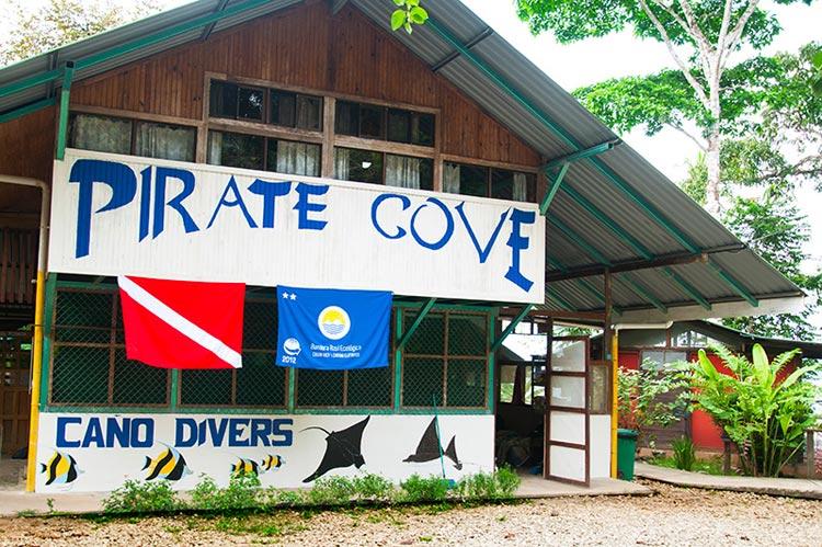 pirate_cove_hotel