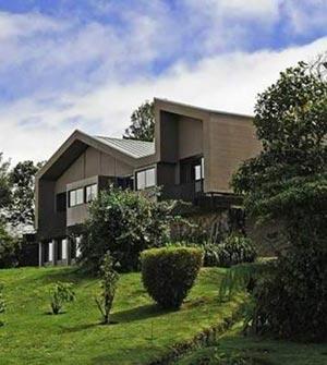 Poas-Lodge