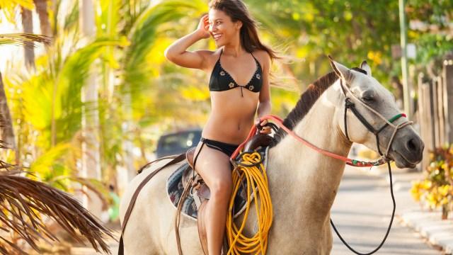 Jaco horseback riding