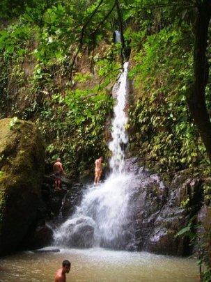 dominical-costa-rica