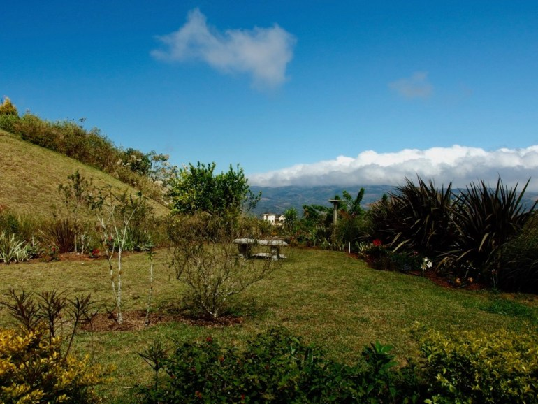 3BR home for sale in family friendly area of costa rica