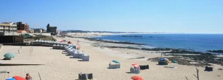 Praia-de-Apúlia-Zona-Norte-em-ApúliaEsposende_Portugal-300x108 Esposende mantém Bandeira Azul em quatro praias