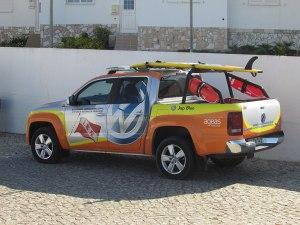 pick-up-Instituto-de-Socorros-a-Náufragos-300x225 Homem salvo na praia de Apúlia