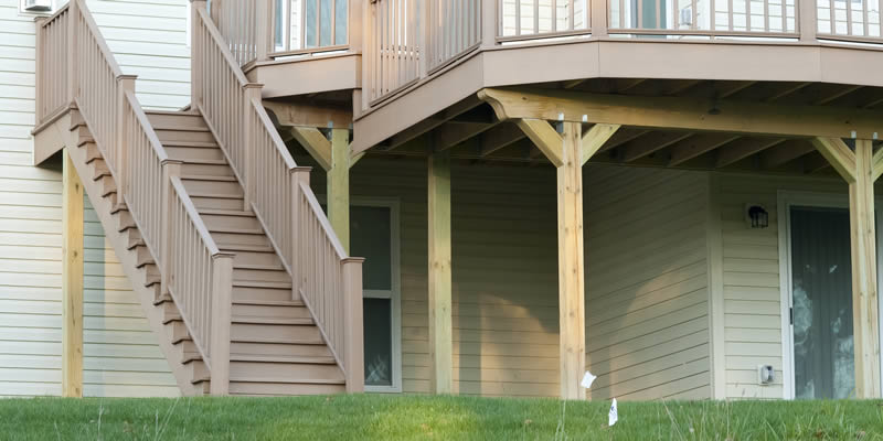cost to build deck stairs new or