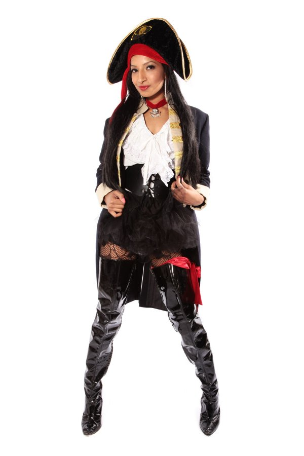 PIRATE GIRL IN BOOTS COSTUME alt