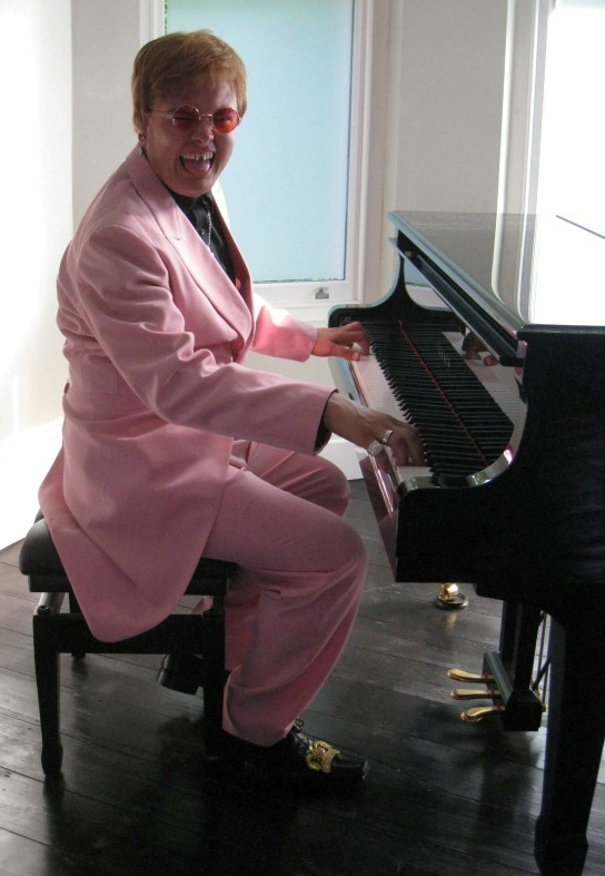 BESPOKE COSTUME STYLING: ALAN CARR AS ELTON JOHN