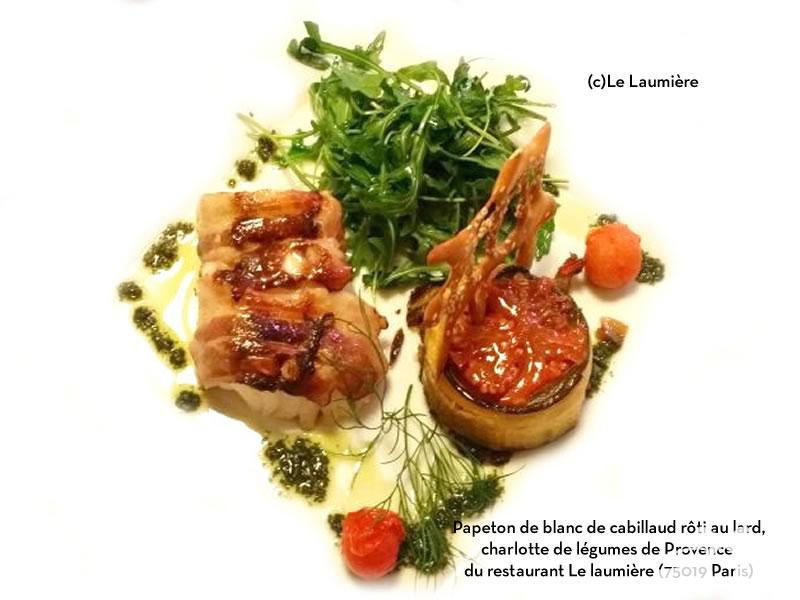 Papeton de blanc de cabillaud rôti au lard, charlotte de légumes de Provence