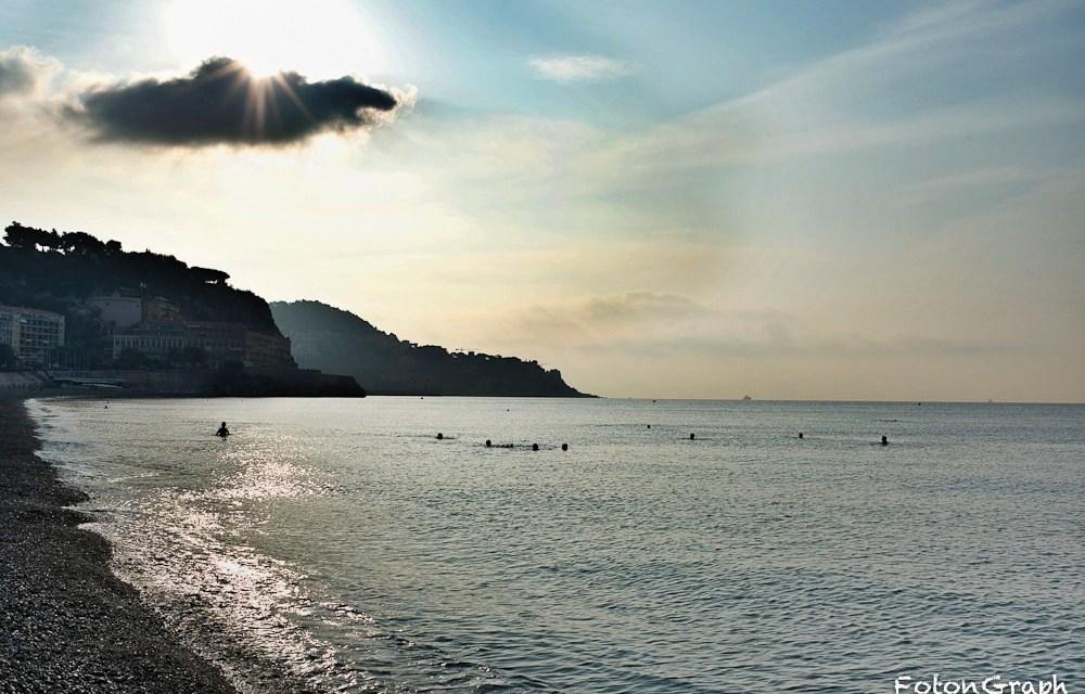 Photo de la semaine : Lever de soleil sur la plage de Nice