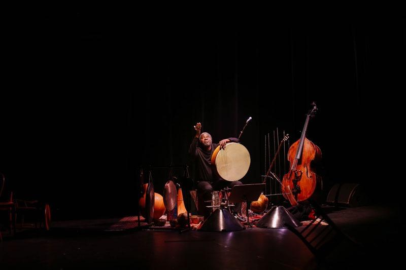 Solo contrebasse et percussions «Soulomes» par Jean Baptiste Boussougou