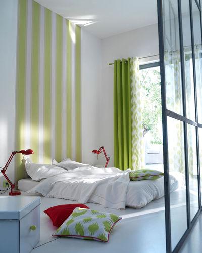 des rideaux pour un joli rappel de couleur