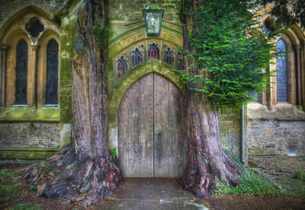 A side entrance to the Stow church -- said to be the inspiration for Moria's entrance in Lord of the Rings. Image via Cotswolds.info.