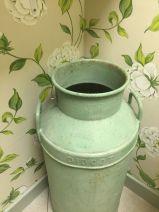 opening-the-tea-set-broadway-cotswolds-concierge (16)