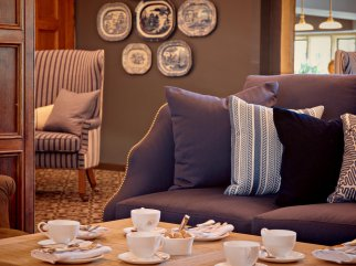 lygon-arms-hotel-spa-cotswolds-concierge (12)