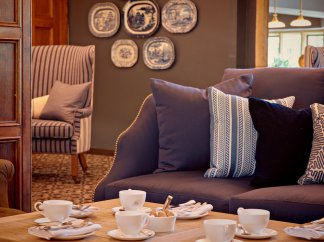 lygon-arms-hotel-spa-cotswolds-concierge (12)