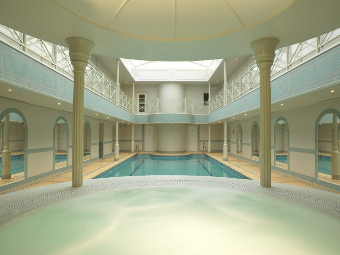 lygon-arms-hotel-spa-cotswolds-concierge (7)