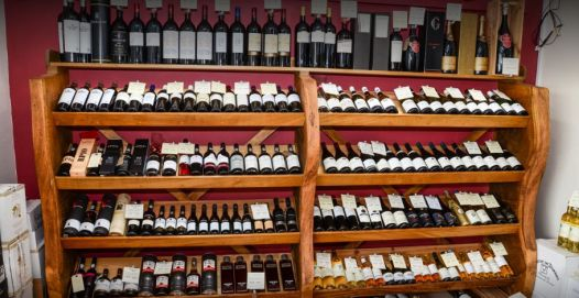 vinotopia-wine-shop-tetbury-cotswolds-concierge (5)