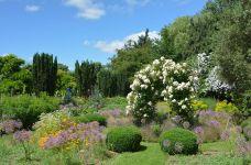 bruern-cottages-gardens-cotswolds-concierge (2)